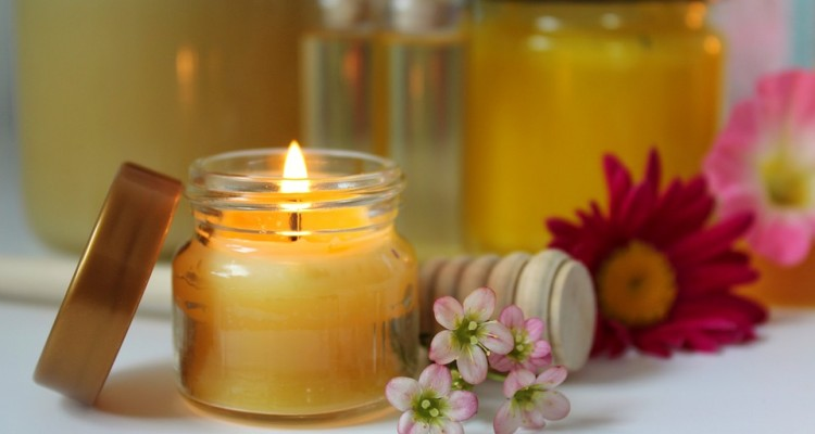 beeswax-candle-3413350_960_720